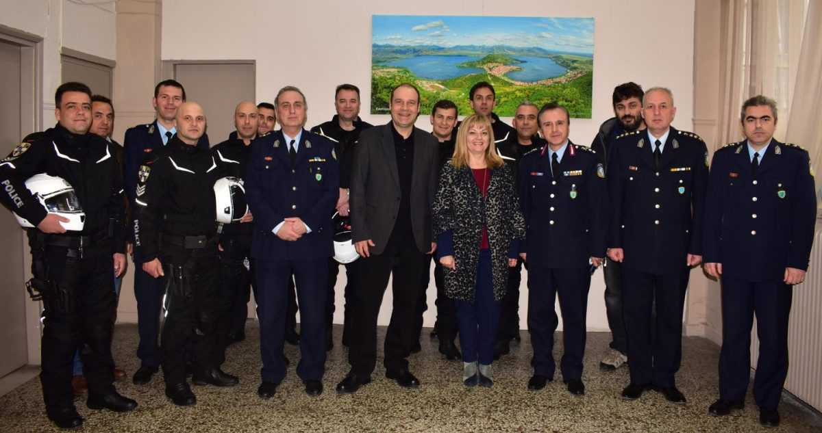 Δωρεά εξοπλισμού για τις ανάγκες των Ομάδων Δίκυκλης Αστυνόμευσης της Διεύθυνσης Αστυνομίας Καστοριάς, από την εταιρεία «ACTIVE S.A.»