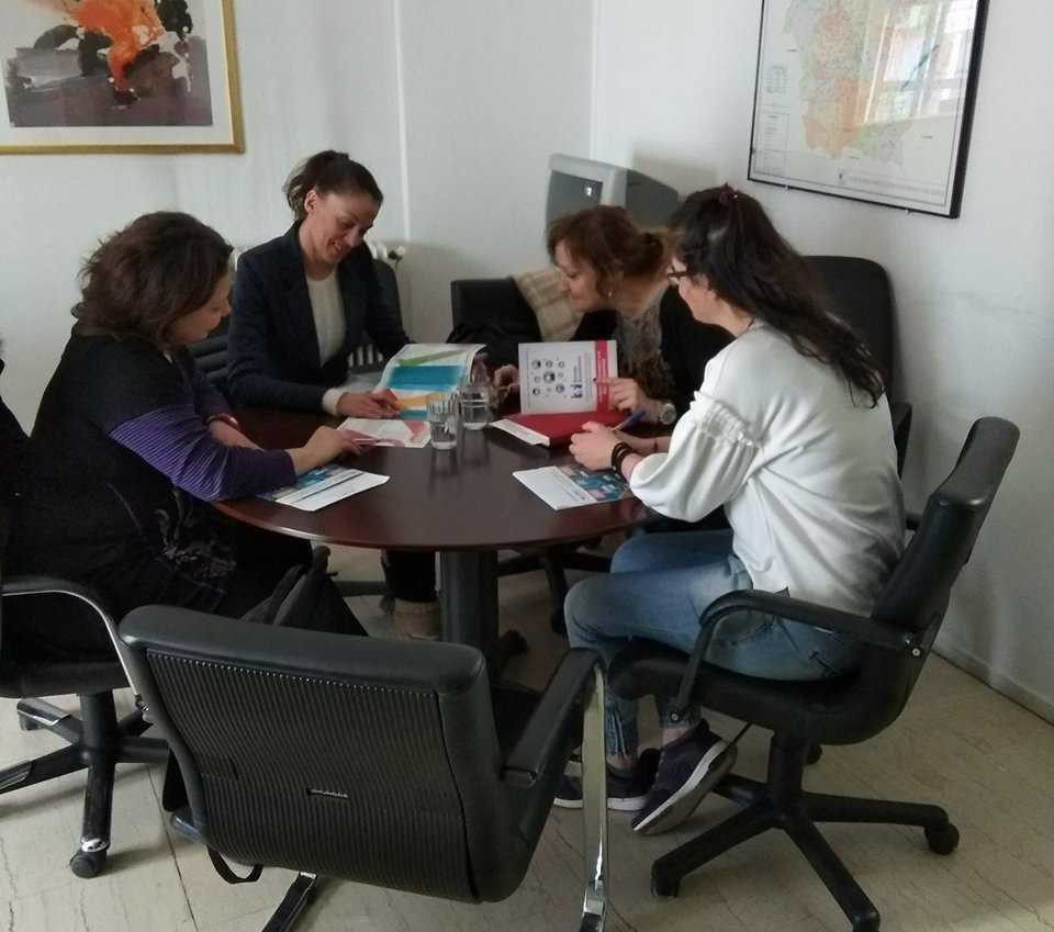 """""""Συνεργασία Κέντρου Κοινότητας Δ. Κοζάνης και ΙΝΕ.Γ.Σ.Ε.Ε. Δυτ. Μακεδονίας, στα πλαίσια παροχής υπηρεσιών προώθησης απασχόλησης"""""""