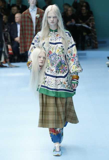 «θεαματική» και «παράξενη», έως ένα «γκροτέσκο σκηνικό τρόμου». Τι κρύβεται πίσω από την αλλόκοτη cyborg «επίδειξη μόδας» του οίκου Gucci;
