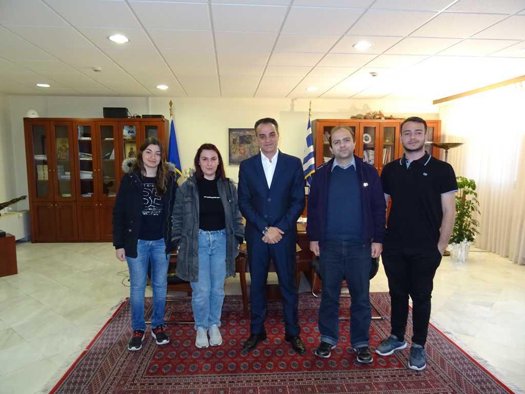Η ομάδα ρομποτικής του Τμήματος Μηχανικών Πληροφορικής και Τηλεπικοινωνιών του Πανεπιστημίου Δυτικής Μακεδονίας επισκέφθηκε τον Περιφερειάρχη