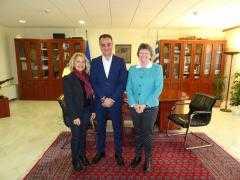 Τον Περιφερειάρχη Δυτικής Μακεδονίας Θ. Καρυπίδη  επισκέφθηκε η Πολιτική Σύμβουλος του Καναδά Debbie DesRosiers