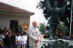 «Εδώ που πατάμε  είναι Άνω Μακεδονία ( ΑΙΑΝΗ)». ΝΙΚΟΛΑΣ  ΧΑΜΜΟΝΤ,   ΑΓΓΛΟΣ ΑΡΧΑΙΟΛΟΓΟΣ ΚΑΘΗΓΗΤΗΣ, ΣΥΓΓΡΑΦΕΑΣ, ΕΛΛΗΝΙΣΤΗΣ, ΦΙΛΕΛΛΗΝΑΣ