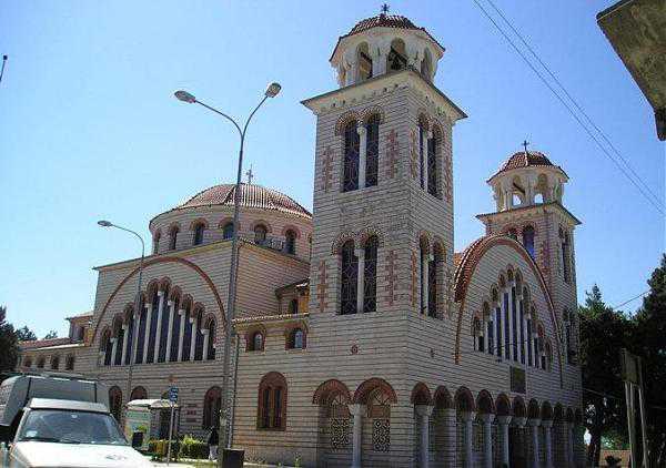 14 Σεπτεμβρίου πανηγυρίζει ο Ιερός Ναός των Αγίων Κωνσταντίνου και Ελένης Κοζάνης. Η Εικόνα της Παναγίας του Όρους των Ελαιών, φερμένη από το Όρος των Ελαιών της Μικρής Γαλιλαίας εκτίθεται προς προσκύνηση έως 18 Σεπτεμβρίου