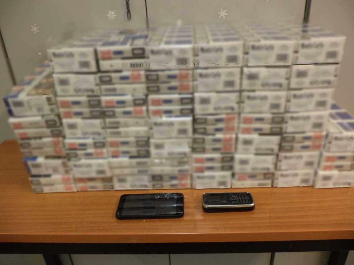 Συνελήφθη 41χρονος αλλοδαπός για παράβαση του τελωνειακού κώδικα στην Φλώρινα  Κατασχέθηκαν 500 πακέτα τσιγάρα, 1 όχημα και 2 κινητά τηλέφωνα