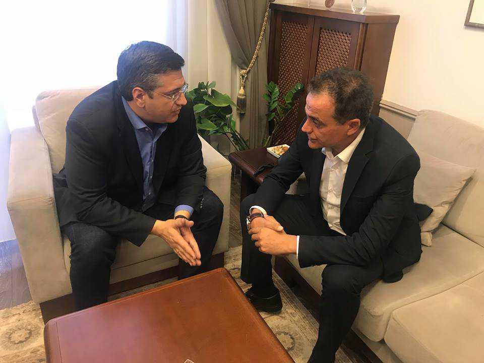 Συνάντηση Απ. Τζιτζικώστα – Θ. Καρυπίδη  Στο επίκεντρο της συζήτησης, η αυριανή κοινή σύσκεψη για το Σκοπιανό