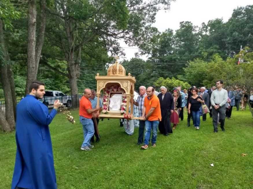 Πλήθος κόσμου στο 35o ετήσιο προσκύνημα της Παναγίας Σουμελά στη Νέα Ιερσεη (New Jersey).  (Bίντεο & Φωτογραφίες)