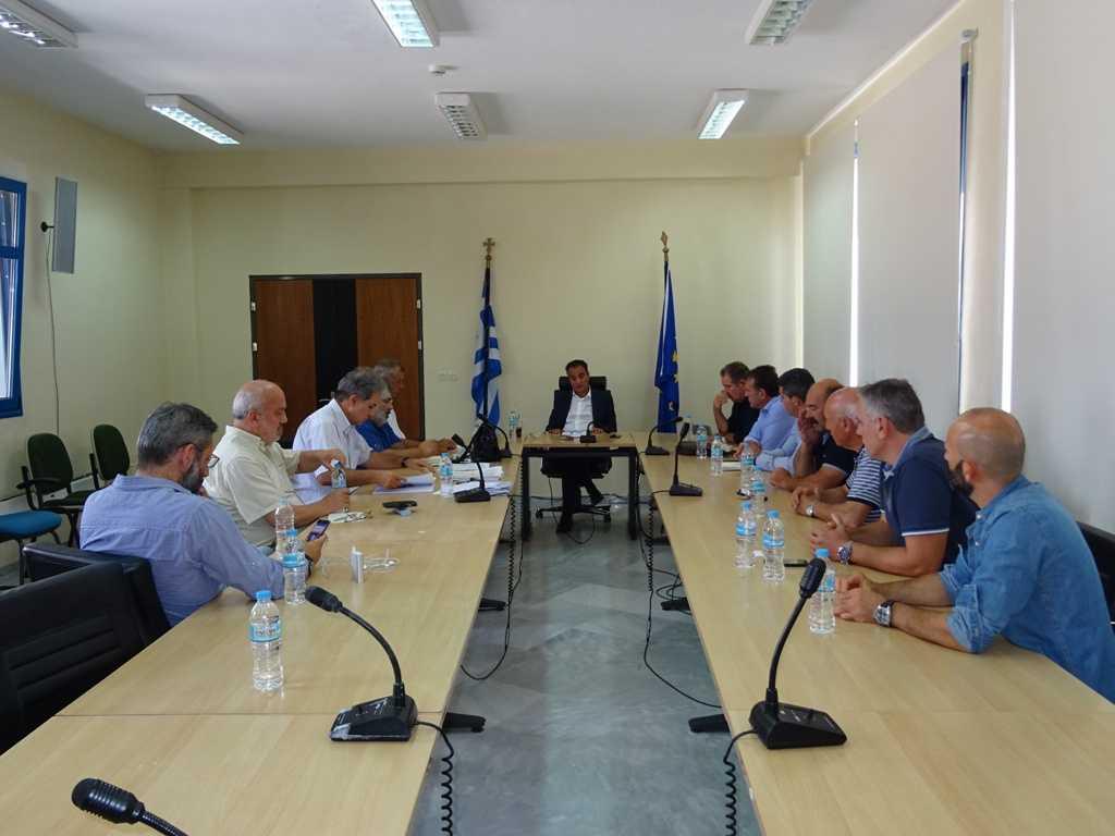 Σύσκεψη στα γραφεία της Περιφέρειας Δυτικής Μακεδονίας παρουσία βουλευτών, αντιπεριφερειαρχών, δημάρχων και εκπροσώπων κατοίκων για τις μετεγκαταστάσεις των οικισμών: Ποντοκώμης, Μαυροπηγής, Ακρινής και Αναργύρων