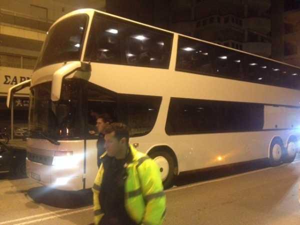 Γρεβενά: Εγκλωβισμένα/ Κατειλημμένα....δύο λεωφορεία με πρόσφυγες σε ξενοδοχείο του ορεινού όγκου