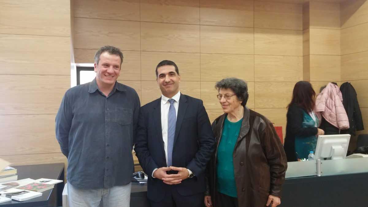 Δωρεά βιβλίων του Υπουργείο Παιδείας και Πολιτισμού της Κύπρου στη Κοβεντάρειο Δημοτική Βιβλιοθήκη Κοζάνης παρέδωσε ο πρόξενος της Κύπρου Σπύρος Μιλτιάδης