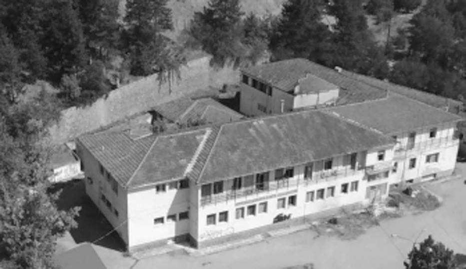 Το παλιό νοσοκομείο των Γρεβενών εγκαταλειμμένο και «φάντασμα» και… τα κόκκαλα του δωρητή-ευεργέτη Κ. Ταλιαδούρη «τρίζουν!