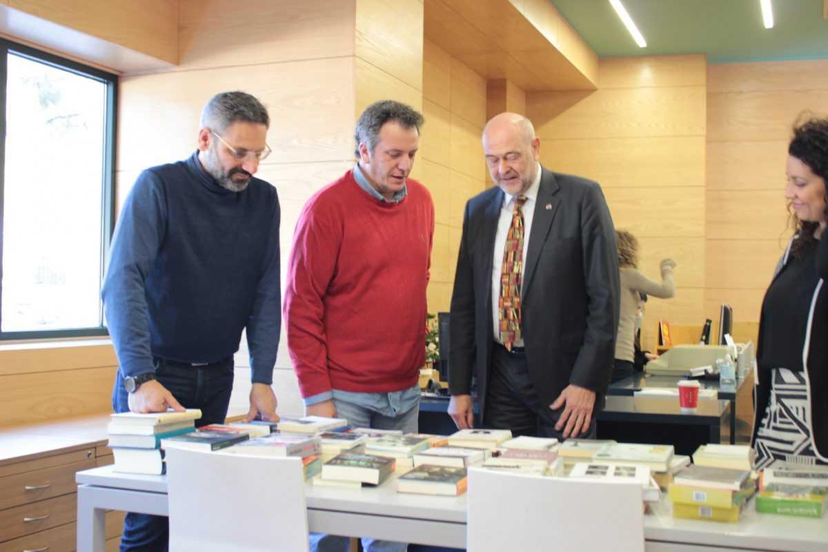 Η Κοβεντάρειος Δημοτική Βιβλιοθήκη Κοζάνης απέκτησε στη συλλογή της 83 λογοτεχνικούς τίτλους γερμανικών βιβλίων σε ελληνική μετάφραση