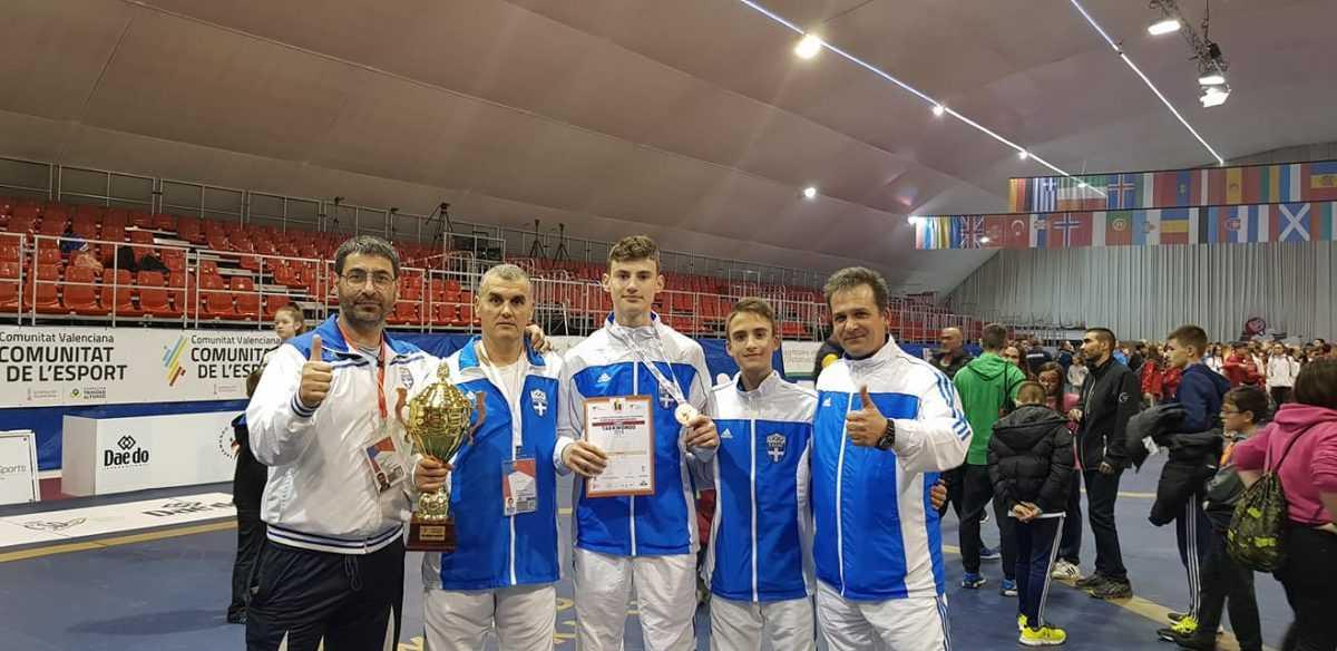 Το Χάλκινο μετάλλιο κατέκτησε ο αθλητής και χρυσός πρωταθλητής Ελλάδος , της Μακεδονικής Δύναμης Κοζάνης  Μαρέτης Ραφαήλ Ιωάννης του Σπύρου