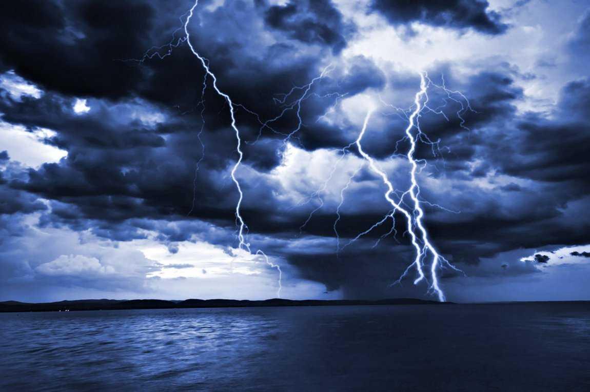Νεφώσεις κατά τόπους αυξημένες με βροχές και καταιγίδες