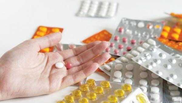 Τα φάρμακα σε ρόλο γεωπολιτικού όπλου. Η διαχρονική χρήση ουσιών για πολιτική επιβολή και η ανάγκη αντιμετώπισης του εθισμού των Ελλήνων στα σκευάσματα