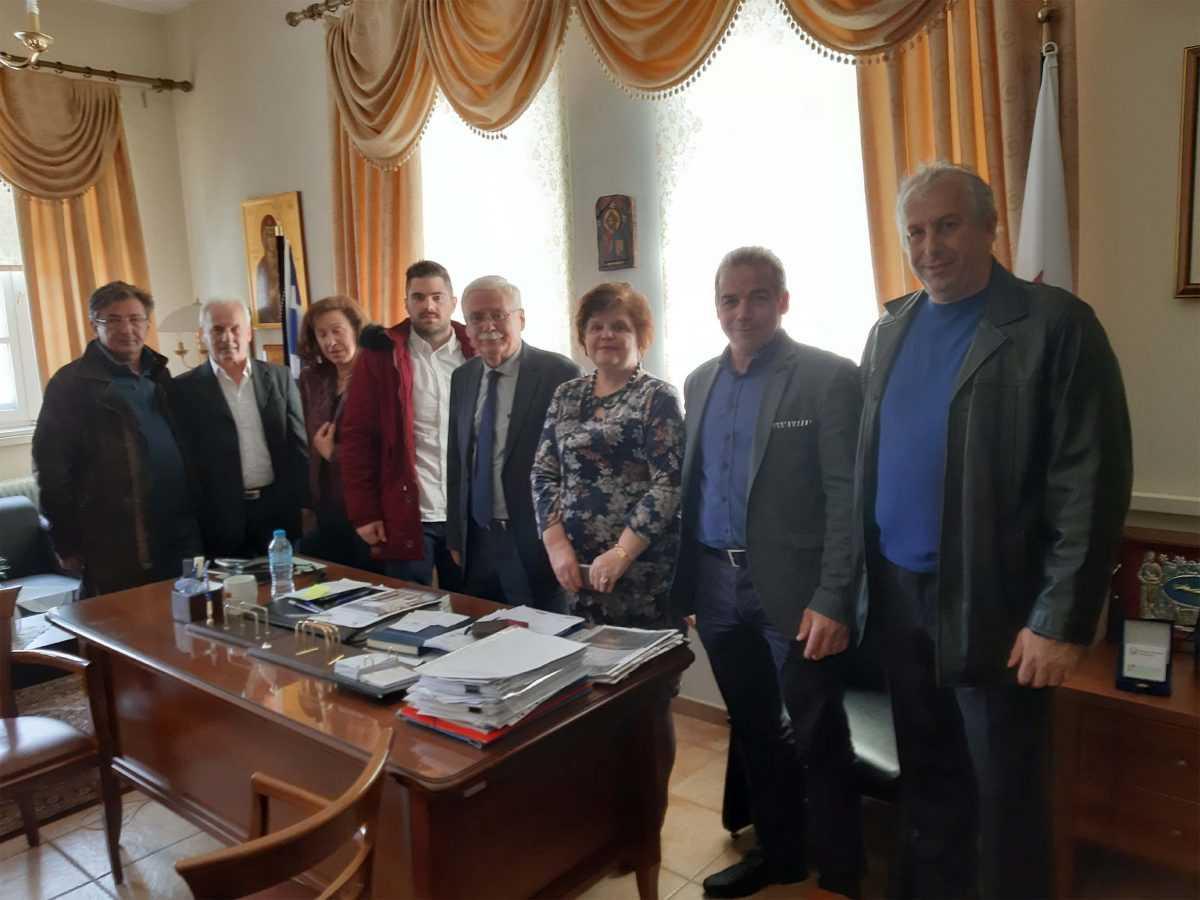 Τα πρώτα δεκατρία ονόματα των υποψηφίων του συνδυασμού «Συμμαχία Ευθύνης» στις επερχόμενες εκλογές, ανακοίνωσε ο νυν Δήμαρχος Βοΐου και εκ νέου υποψήφιος