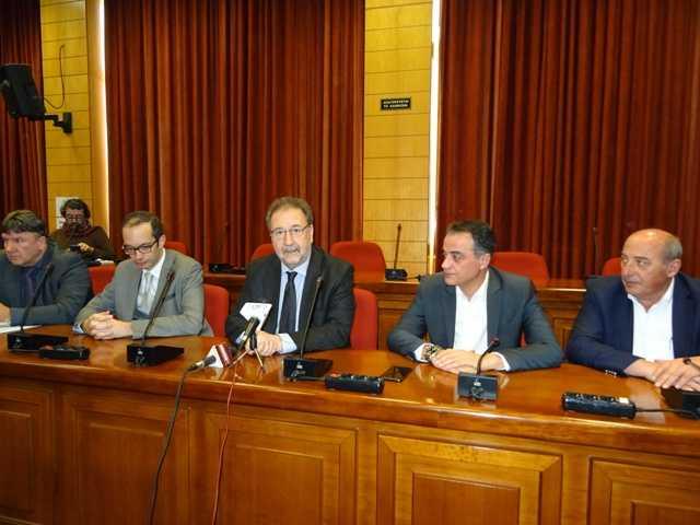 Η Περιφέρεια Δυτικής Μακεδονίας καταπολεμά το παρεμπόριο –Υπογράφηκε το σύμφωνο για την επιχειρησιακή συνεργασίαμεταξύ των ελεγκτικών υπηρεσιών της Περιφέρειας με το ΣΥΚΕΑΠ
