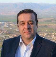 Ο Άρης Βατάλης με το συνδυασμό του υποψηφίου περιφερειάρχη Δυτ. Μακεδονίας Θεόδωρου Καρυπίδη