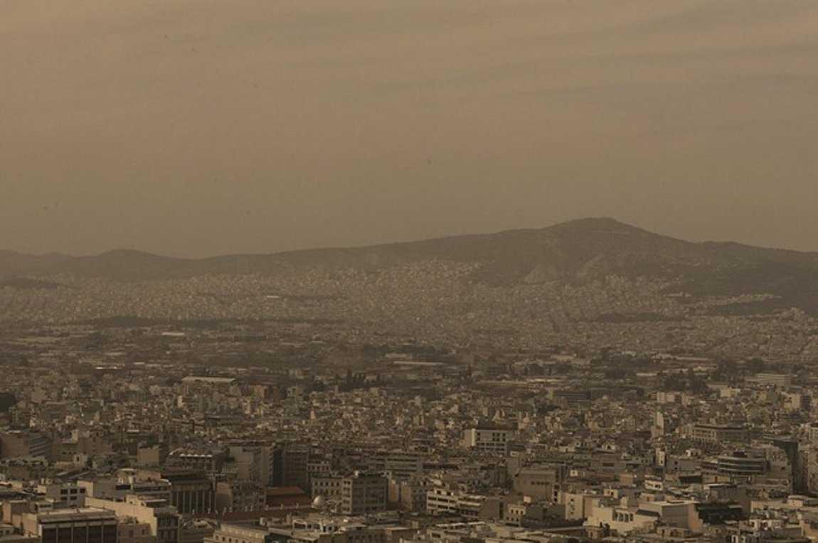 Αυξημένες συγκεντρώσεις σκόνης - Νεφώσεις με πιθανότητα τοπικών βροχών ή καταιγίδων