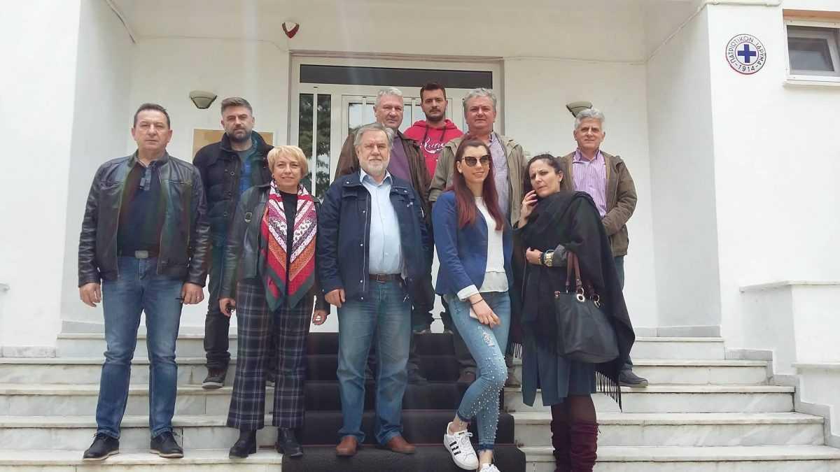 Επίσκεψη της «Δημοτικής Συνεργασίας Δήμου Σερβίων» και του υποψήφιου Δημάρχου Σερβίων Βασίλη Κωνσταντόπουλου σε δομές και υπηρεσίες του Δήμου Σερβίων: «Δεσμεύομαι ότι δεν θα υπάρχουν πολιτικές παρεμβάσεις προς τους υπαλλήλους – θα δημιουργήσουμε ασφαλές περιβάλλον και ηρεμία στην εργασία»