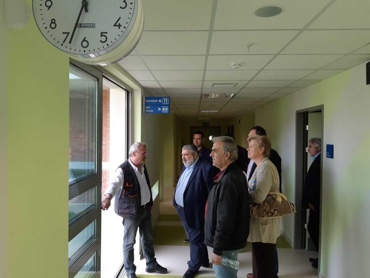 Επίσκεψη του Παναγιώτη Πλακεντά στο Μποδοσάκειο Νοσοκομείο.