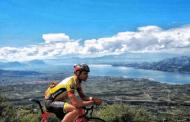 Ο 25χρονος Γιώργος Πράσσος από τα Σέρβια και ο 24χρονος Γιώργος Μίλτσης από την Έδεσσα οι δύο ποδηλάτες που έχασαν τη ζωή τους στην Πτολεμαϊδα. Με διακρίσεις σε ποδηλατικούς αγώνες και οι δυο