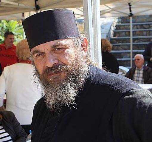 Βράβευση του πατέρα Βασιλειάδη Κ. ιδιοκτήτη της σελίδας tovoion.com και εγκαίνια εκθέσεων ζωγραφικής των Ηλία Κοντοζαμάνη και Πουλχερίας Πάλα - Ιωσηφίδου, στα πλαίσια των γιορτών ΠΕΛΕΚΟΝ την Πέμπτη 13/6