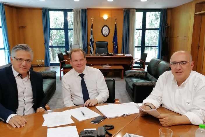 Επίσκεψη στον υπουργό μεταφορών από τονΖευκλήΧρήστο και Μιχάλη Παπαδόπουλο για το θέμα των διοδίων.