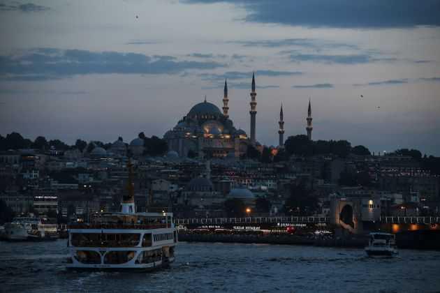 Προσδεθείτε:  Η Τουρκία στα βράχια. Γράφει ο Λεωνίδας Κουμάκης