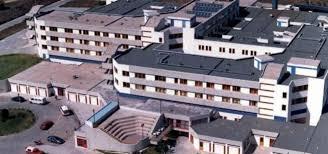 Άβαφο και ξεφτισμένο κινδυνεύει να μείνει το Μποδοσάκειο Νοσκομείο Πτολεμαϊδας λόγω μη έγκρισης των δαπανών από τον επίτροπο
