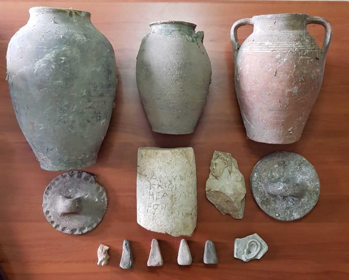 Συνελήφθη 77χρονος ημεδαπός σε περιοχή των Γρεβενών για παράνομη κατοχή αντικειμένων ιδιαίτερης αρχαιολογικής και επιστημονικής αξίας, της Ελληνιστικής και Ρωμαϊκής εποχής