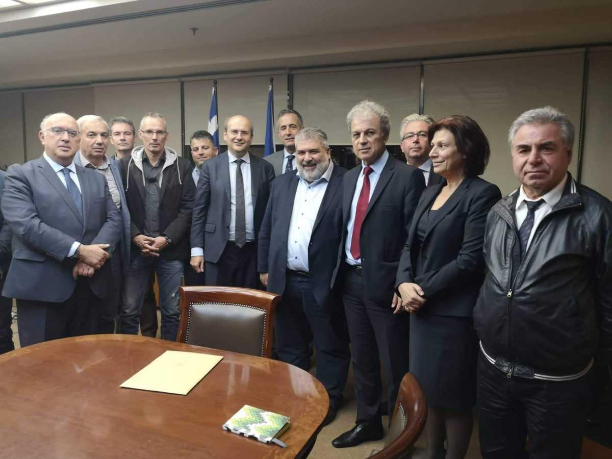 Συνάντηση εκπροσώπων του Δήμου Εορδαίας με τον Υπουργό Περιβάλλοντος και Ενέργειας Κωστή Χατζηδάκη.