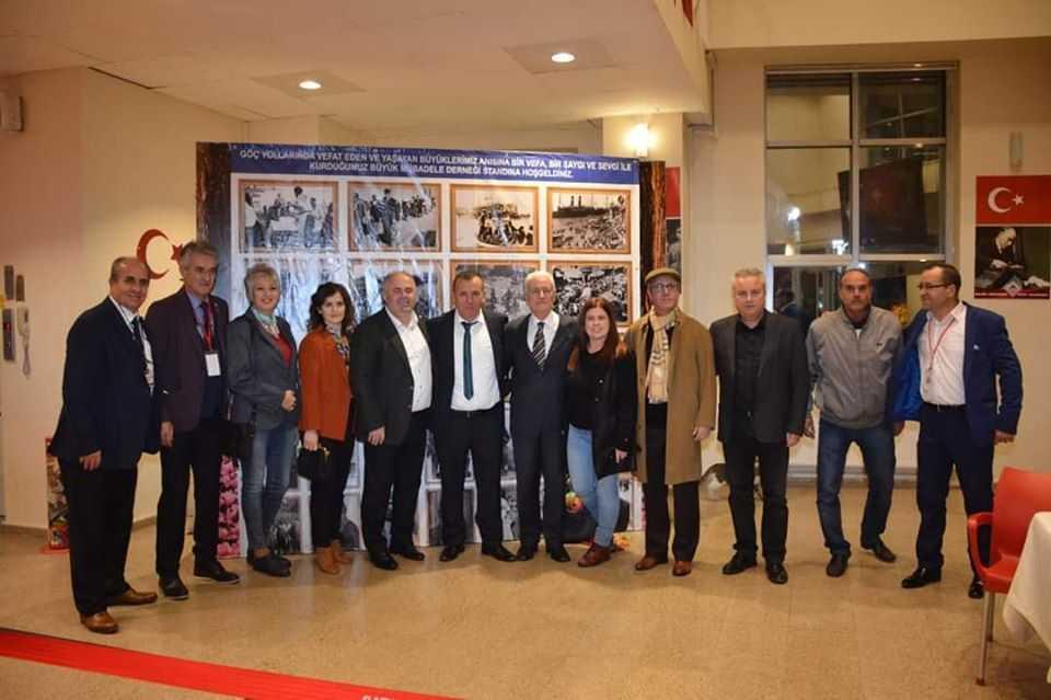 Το βιβλίο του Βαλαά Aycan Yilmaz (Αϊτζάν) που μιλά για τα τραύματα της ανταλλαγής έγινε θεατρικό έργο και παρουσιάστηκε στην Τουρκία και συγκίνησε και συγκλόνισε μέχρι δακρύων το κοινό. Η απάντηση και η άρνηση στις επιταγές των «ισχυρών» της γης