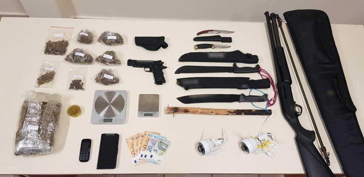 Συνελήφθη 31χρονος ημεδαπός στην Πτολεμαΐδα για διακίνηση ναρκωτικών ουσιών και παράβαση της νομοθεσίας περί όπλων    Μεταξύ άλλων κατασχέθηκαν ένα (1) κιλό και (130) γραμμάρια ακατέργαστης κάνναβης, 2 ζυγαριές ακριβείας, κυνηγετικό όπλο, πιστόλι αερίου κ.α.