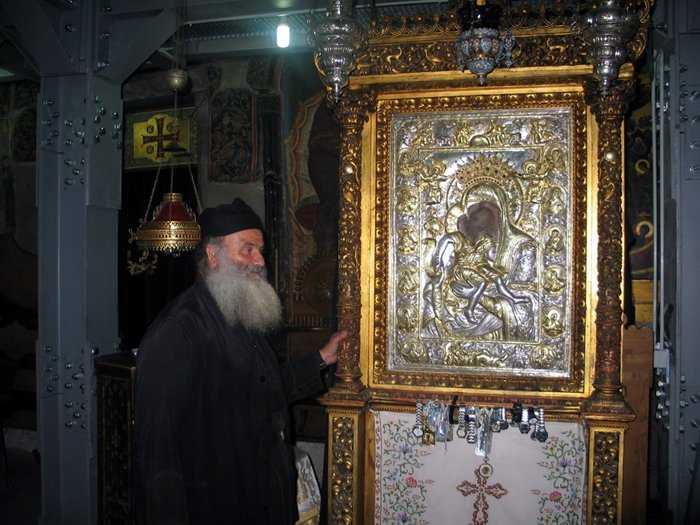 Γιορτάστηκε η Παναγία ''Άξιον εστίν'' στον Ι. Ναό του Αγίου Διονυσίου εν Ολύμπω στο Βελβεντό, της Ιεράς Μητροπόλεως Σερβίων και Κοζάνης. (του παπαδάσκαλου Κωνσταντίνου Ι. Κώστα)