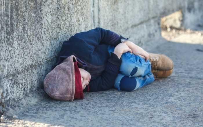 ΦΩΣ ΣΕ ΑΠΙΣΤΕΥΤΗ ΔΙΑΣΤΡΟΦΗ ΣΤΟΝ ΚΑΠΙΤΑΛΙΣΤΙΚΟ ΚΟΣΜΟ Στα πλαίσια ενός δήθεν πειράματος, έδιναν στην Γερμανία άστεγα παιδιά σε παιδόφιλους! Γιάννη Ευτυχίδη