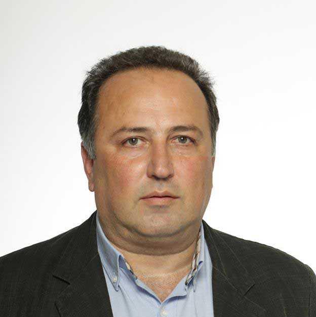 Ο κ. Βασιλακόπουλος αντί να πετά λάσπη στον ανεμιστήρα, να υλοποιήσει τις δεσμεύσεις του για 1000 στειρώσεις κάθε έτος και για περιορισμό των αδέσποτων στην πόλη και τις κοινότητες.