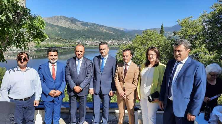 Ενημέρωση για τα αναπτυξιακά χρηματοδοτικά προγράμματα από τον Περιφερειάρχη Δυτικής Μακεδονίας Γιώργο Κασαπίδη στην Καστοριά, παρουσία του Υφυπουργού Μακεδονίας Θράκης κ. Καράογλου Θεόδωρου.