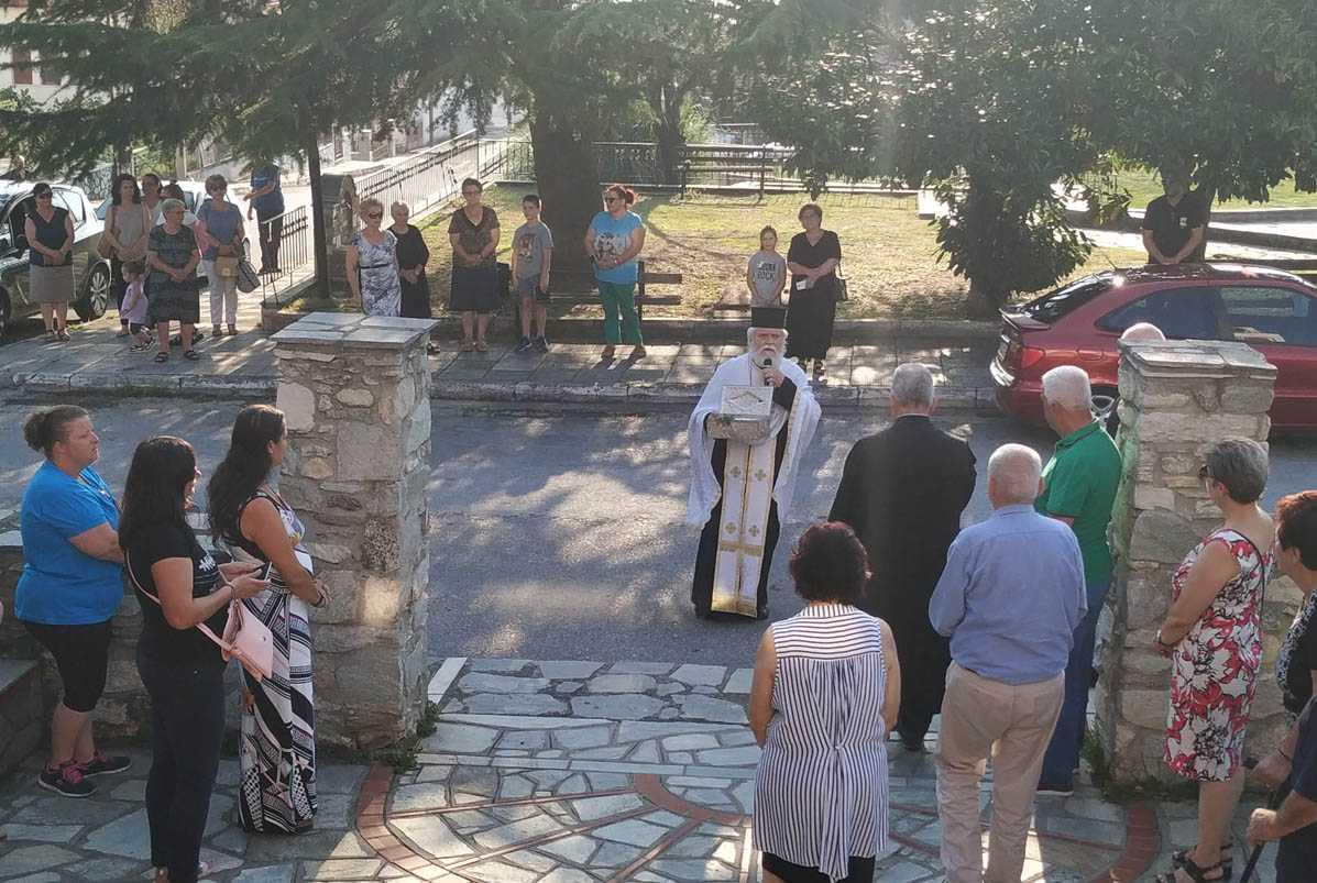 Αφίχθη στο Βελβεντό της Ιεράς Μητροπόλεως Σερβίων και Κοζάνης,  το ιερό λείψανο του Αγίου Διονυσίου εν Ολύμπω.  του παπαδάσκαλου Κωνσταντίνου Ι. Κώστα