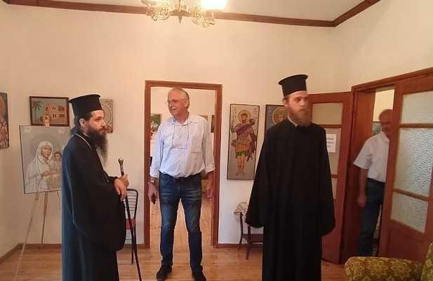 Επίσκεψη του Μητροπολίτου Σισανίου και Σιατίστης στον Εκθεσιακό Χώρο Αγιογραφίας - Ψηφιδωτού του Ιωάννη και Όλγας Παπαδόπουλου στην Δάφνη Βοϊου