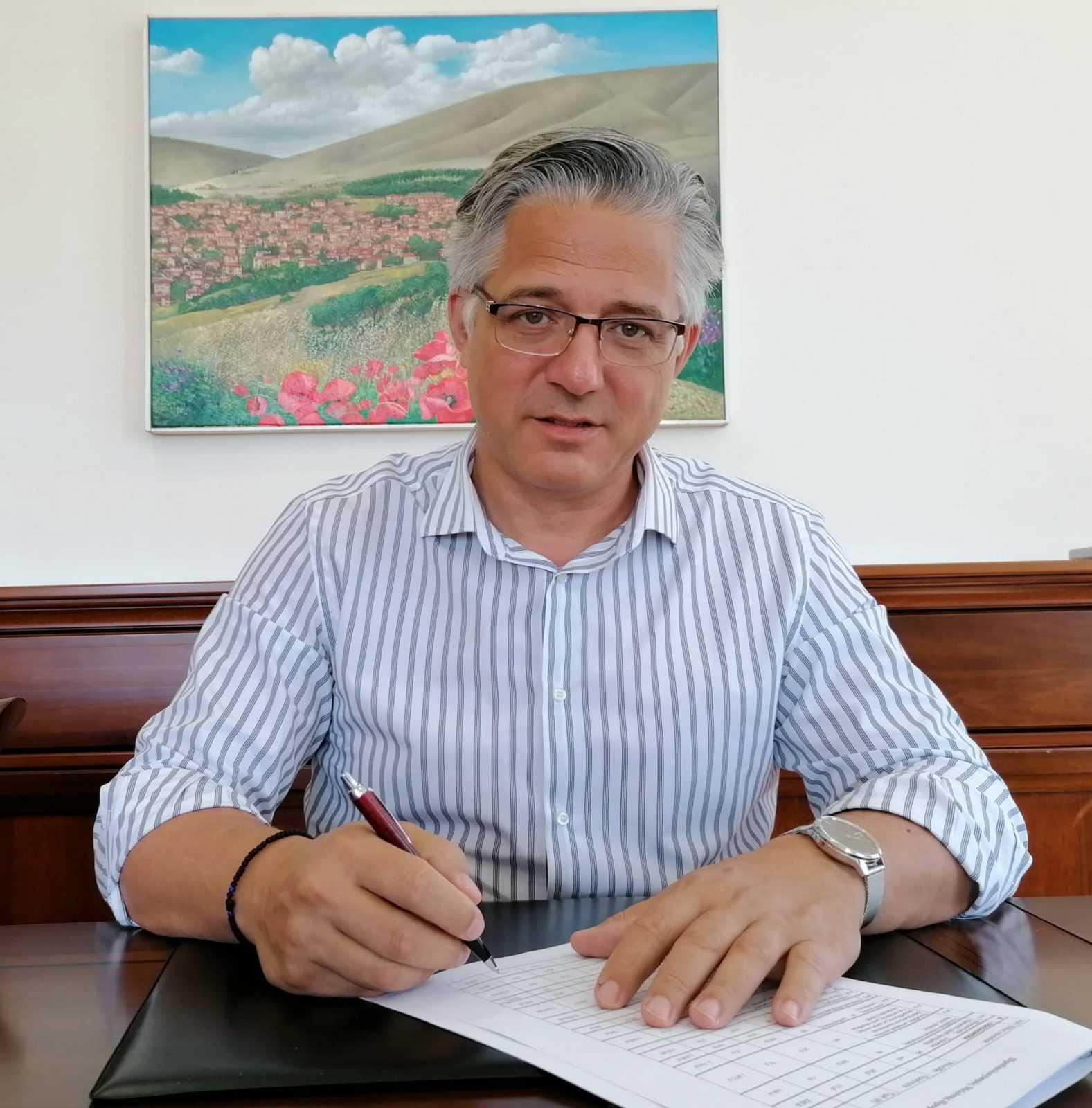 «Υπογραφή συμβάσεων για την εκτέλεση έργων ύδρευσης και οδοποιίας στο Δήμο Βοΐου».