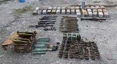 Μεγάλες ποσότητες πολεμικού υλικού βρέθηκαν θαμμένες σε χώρο αποθήκευσης, σε περιοχή της Καστοριάς. Σχηματίστηκε ποινική δικογραφία, κακουργηματικού χαρακτήρα, σε βάρος του ημεδαπού ιδιοκτήτη του χώρου