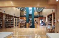 Διαμαρτυρία του Θανάση Καλλιανιώτη για τη χρέωση της κάρτας εισόδου στη Δημοτική Βιβλιοθήκη Κοζάνης.