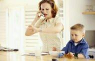 Νέα ευκαιρία για τις εργαζόμενες μητέρες σε δημόσιο και ιδιωτικό τομέα. Παρατείνεται έως την Παρασκευή 2 Οκτωβρίου το «Πρόγραμμα Οικονομικής Στήριξης Οικογενειών για την Παροχή Φροντίδας και Φιλοξενίας σε παιδιά Προσχολικής Ηλικίας»