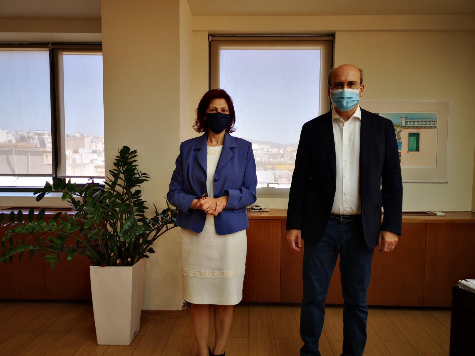 Το Υπουργείο Περιβάλλοντος και Ενέργειας (ΥΠΕΝ) επισκέφθηκε, σήμερα Τρίτη 29 Σεπτεμβρίου, η Βουλευτής Ν. Κοζάνης Παρασκευή Βρυζίδου.