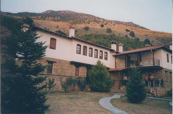 Το μοναστήρι της Αγίας Παρασκευής Σισανίου-Ναμάτων. Γράφει ο Γιάννης Κορκάς