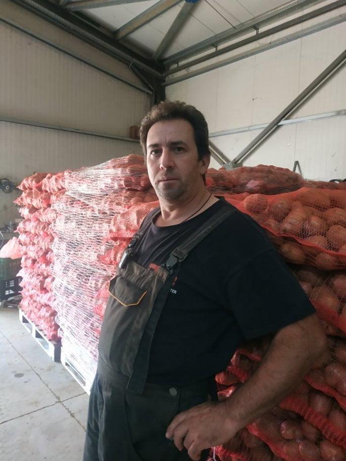 Ο αγρότης από Καστοριά που χάρισε σε απόρους 25 τόνους πατάτας