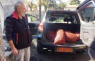 Δωρεά κάστανων από τον κ. Γ. Βλάχο στον Δήμο Σερβίων για τις άπορες οικογένειες