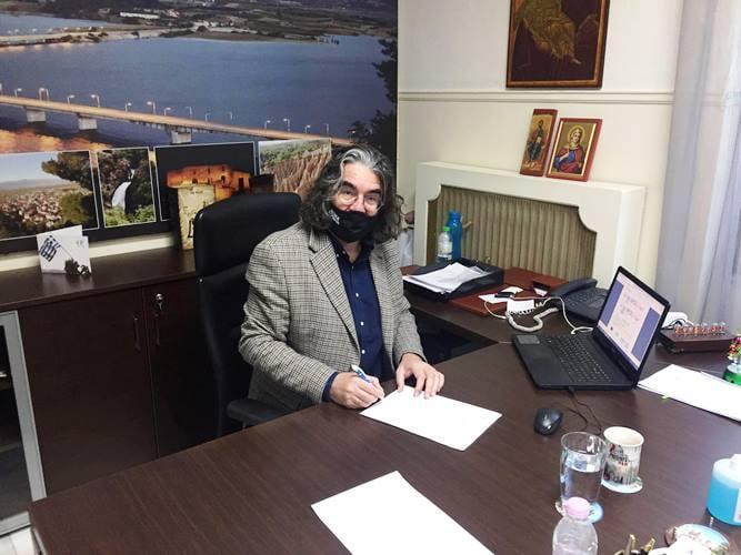 Υπεγράφη η σύμβαση για τη «Συντήρηση Εσωτερικής Οδοποιίας στον Οικισμό Τρανοβάλτου»