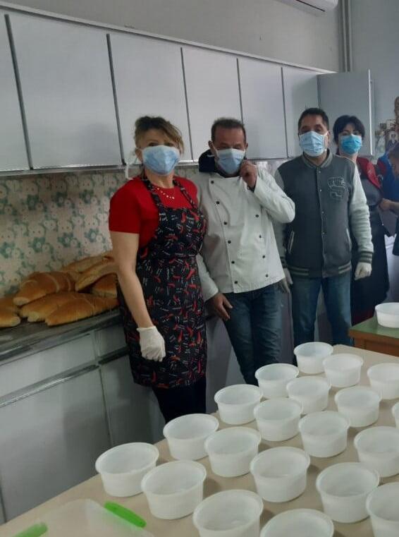 Το συσσίτιο του Δήμου Κοζάνης συνεχίζει να στηρίζει τους πολίτες και την περίοδο της πανδημίας