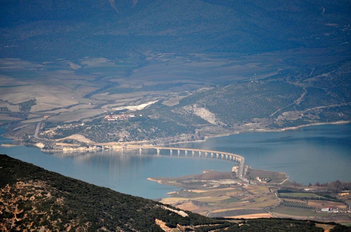 Γεωλογική λεκάνη Κοζάνης-Σερβίων.  Η αρχαιολογική έρευνα στην κοιλάδα του μέσου ρου του Αλιάκμονα (Μέρος Α΄)